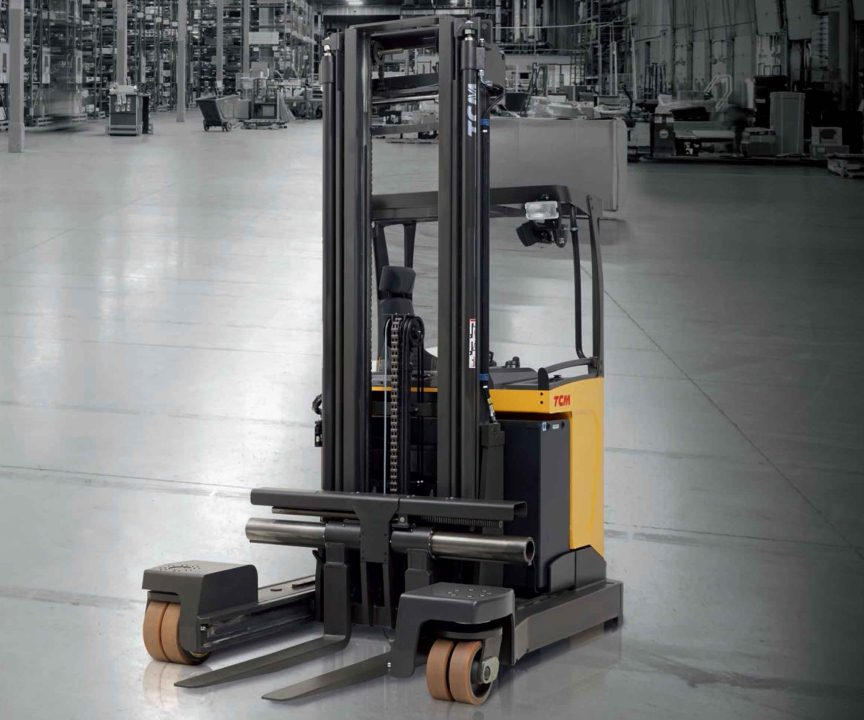 Xe nâng điện TCM Reach Trucks (Narrow aisle, four way, swivel operations)